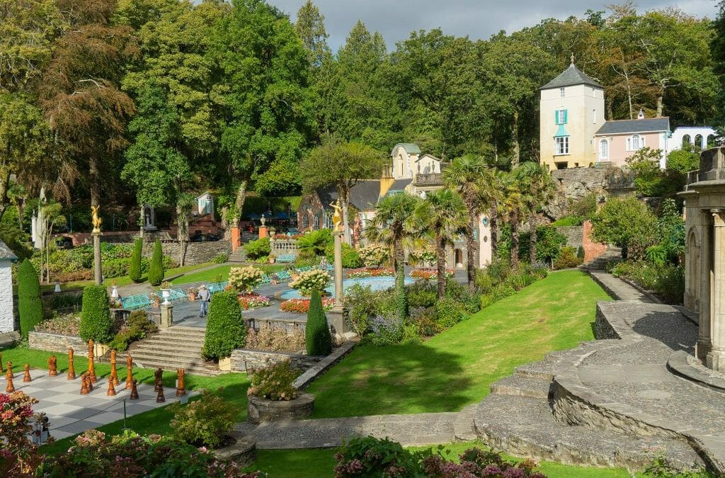 Portmeirion in Summer – Colours, Shapes & Textures – Mini Module with Masterclass
