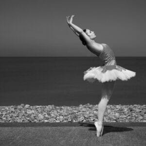 Black and White Photo of Ballet Dancer on the Llandudno Waterfront - Dancing on Location - Off Camera Flash Photography with Welshot